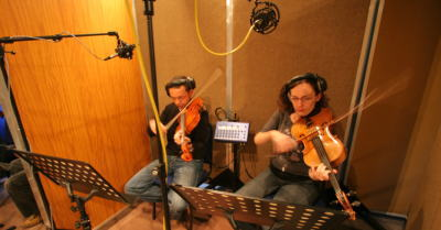 Rachel Robson and Reiad Chibah playing the Viola