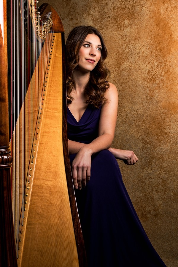 Camilla Pay is a professional freelance harpist